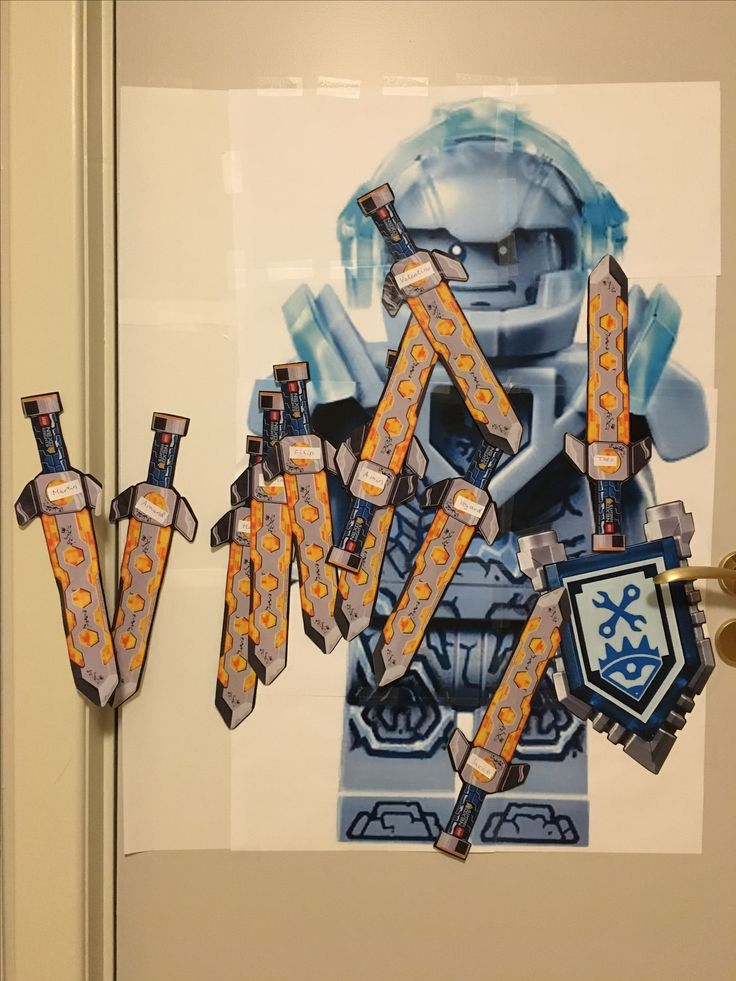 Nexo Knights Stone Clay - Pin the (missing) sword...