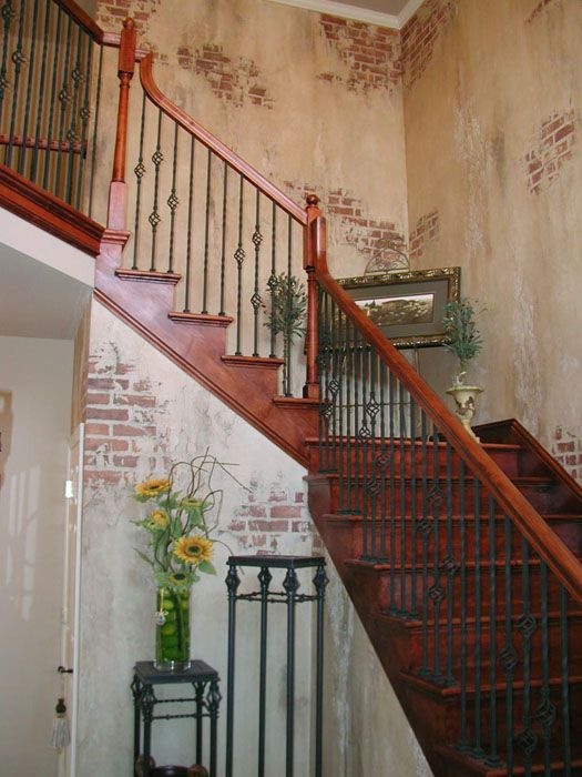 Venetian Plaster - Faux finish, creating the look of old brick crumbling wall