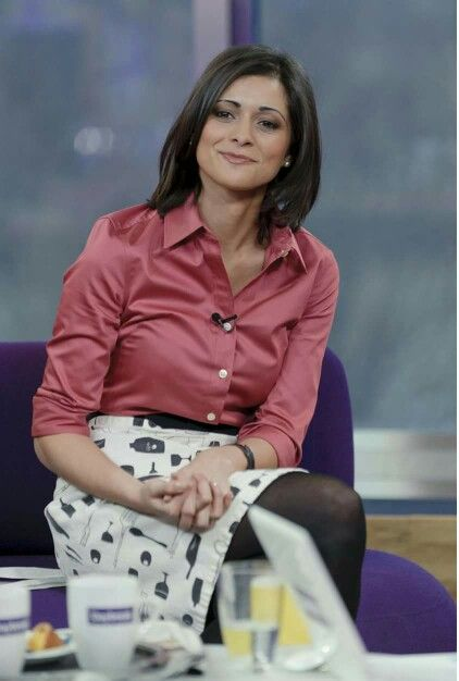 Lucy Verasamy In 2019 Weather Girl Lucy Lucy Weather