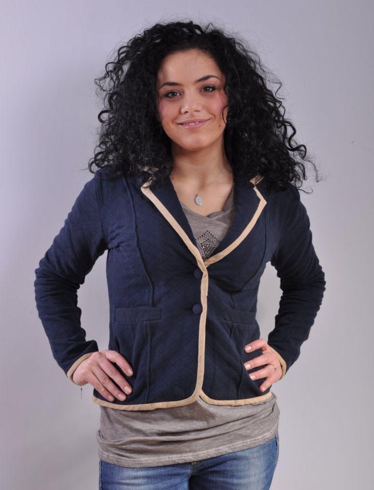 Giacca in felpa Mary Rose 7430   Morbida e calda giacca in felpa per un look casual. Eleganti rifiniture sui bordi, chiusura a due bottoni e applicazioni di toppe sui gomiti.  Colore: blu  Taglia: M, L, XL, XXL  Composizione: 100% Cotone