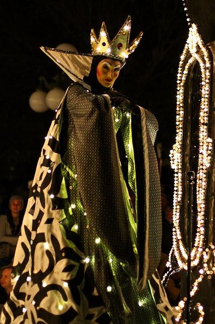 WDW Dec 2009 - 1st SpectroMagic Parade by PeterPanFan, via Flickr