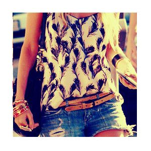 sweet shirt: Nicole Richie, Summer Style, Shirts, Summer Outfits, Nicolerichie, Feathers, Jeans Shorts, Summer Clothing, Tanks