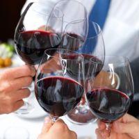 Le Beaujolais Nouveau entre amis selon WineChicTravel . Notre article à lire ici: http://www.winechictravel.fr/les-bonnes-feuilles/le-beaujolais-nouveau-entre-amis.html