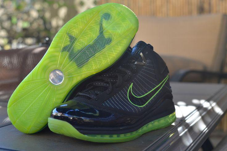 "Nike Air Max LeBron VII ""Dunkman"" Size Deadstock"