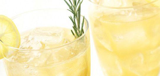 Citrónová limonáda s rozmarýnem