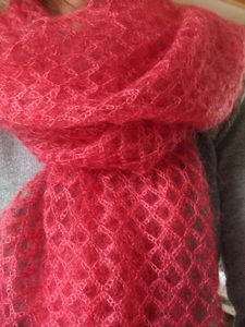beautiful crochet stitch used in this shawl/scarf pattern - in French