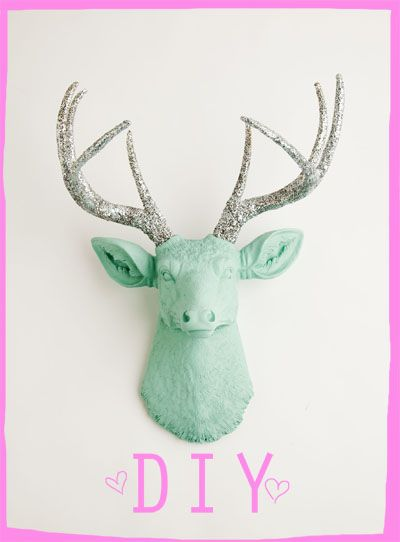 DIY: Une (fausse) tête de chevreuil pour un feeling de chalet dans votre maison | Bulles + Bottillons