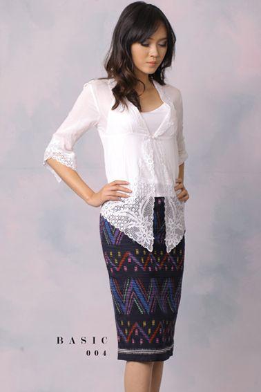 Basic 004 IDR 480.000 Classic Rang-Rang Pencil Skirt (Top Worn Not Included)  Length of Skirt : 65 cm  Material used : Rang-Rang  Standard zipper length (50-55cm) at the back.