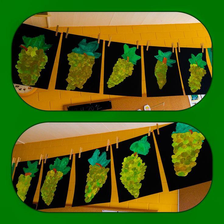Weintrauben. Farben Gemischt Mit Wasserfarben