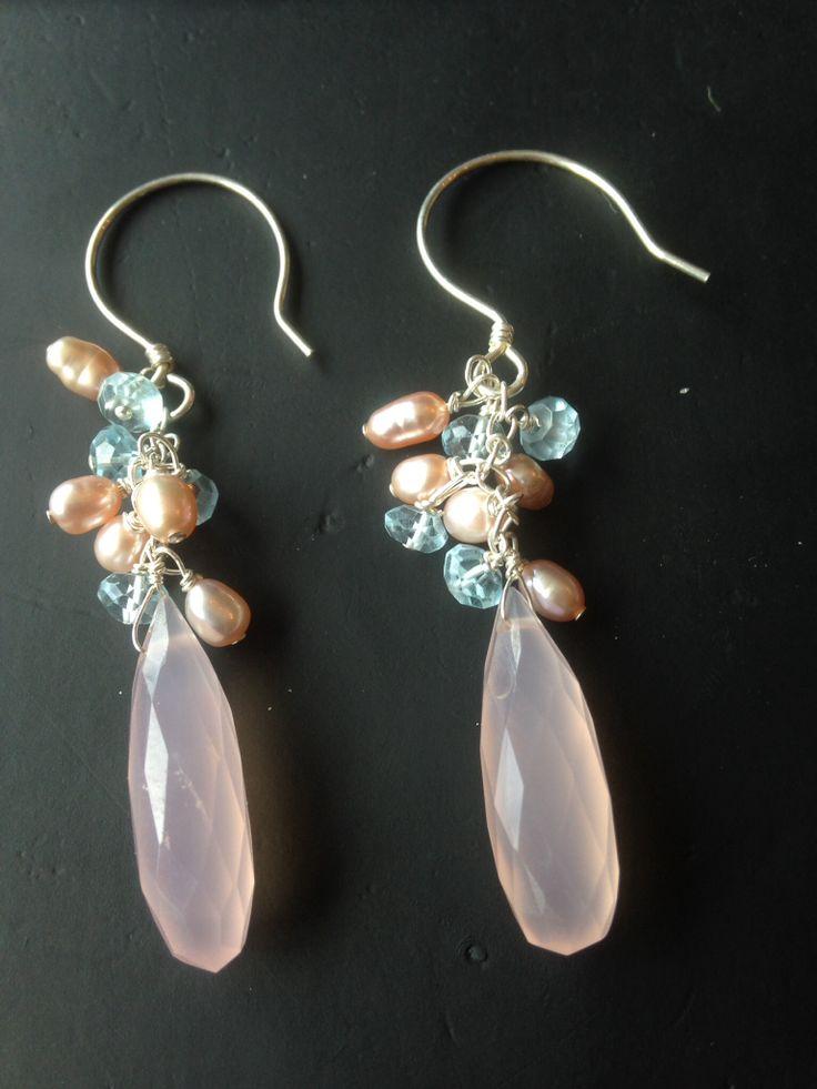 Pink chalcedony pearls en topaz