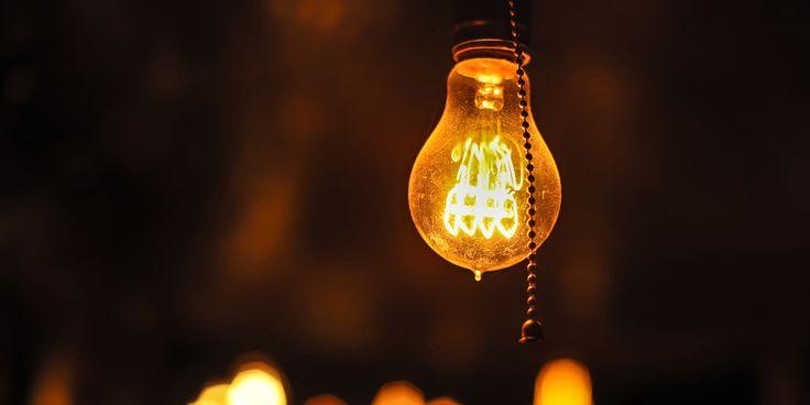 5 лайфхаков по экономии электроэнергии для тех, кто начинает жить самостоятельно - https://lifehacker.ru/2016/11/14/ekonomija-elektrojenergii/
