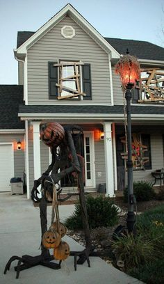 scary outdoor decor makes for a haunted house halloweendecor hauntedhouse homechanneltvcom