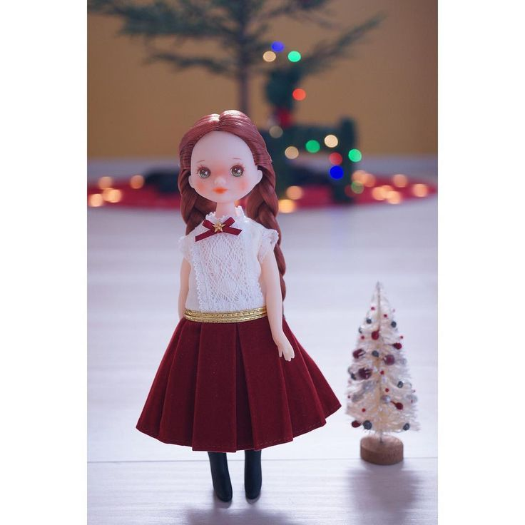 There are 12 days till Christmas Moni-chan in Licca's xmas2015 dress.   #egoogugu #égoogugu #egoogugumoni @egoogugu @guleumsoup #dollstagram