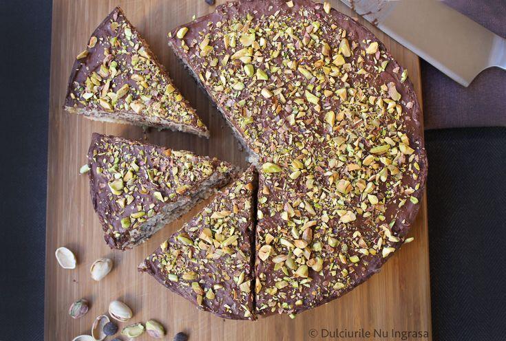 Tort de Ciocolata (fara zahar, fara faina alba, 100% sanatos)
