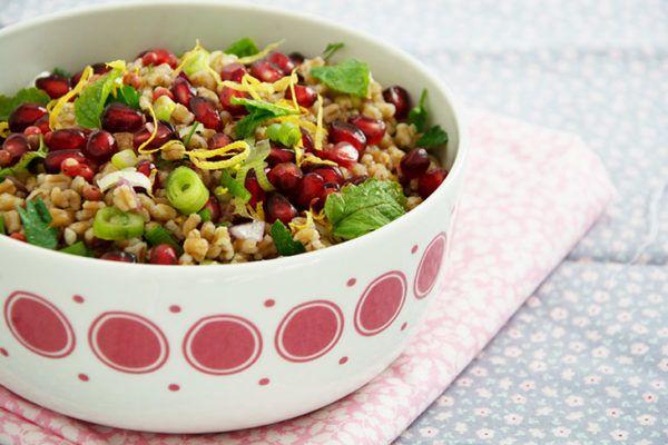 Hvedekernesalat med granatæble - opskrift på skøn salat