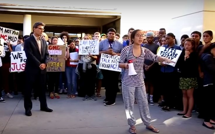 We Dissent': Student Newspaper Takes Epic Stand in Face of Race Chaos on Campus  11/13/15