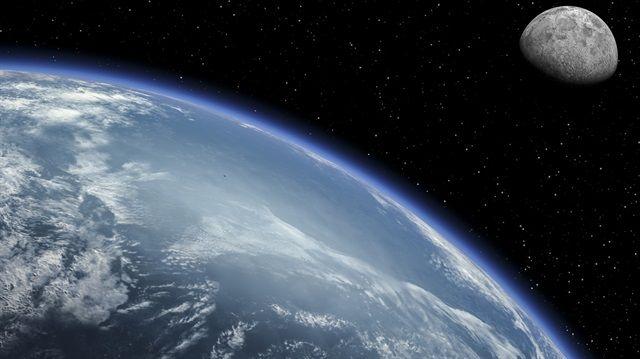NASA, dünyanın etrafında yüz yılı aşkın dönen,bir refakatçisinin daha olduğunu ortaya çıkardı/ Los Angeles kenti yakınında bulunan NASA'nın Jet Propulsion Laboratuvarındaki dünyaya Yakın Cisim Araştırmaları Merkezi(NEO) Müdürü Paul Chodas,yeni keşifle ilişkin,2016 HO3'ün yaklaşık yüz yıldır dünyanın istikrarlı bir yarı-uydusu olduğunu bildirdi.Chodas,dünyanın ve güneşin etrafında dönen 2016 HO3'ün, bulunduğu konumu yüzyıllar boyunca koruyarak,dünyanın refakatçısı olmaya devam edeceğini…