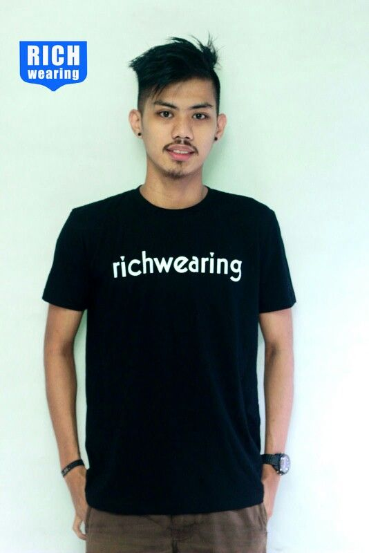 Richwearing tees