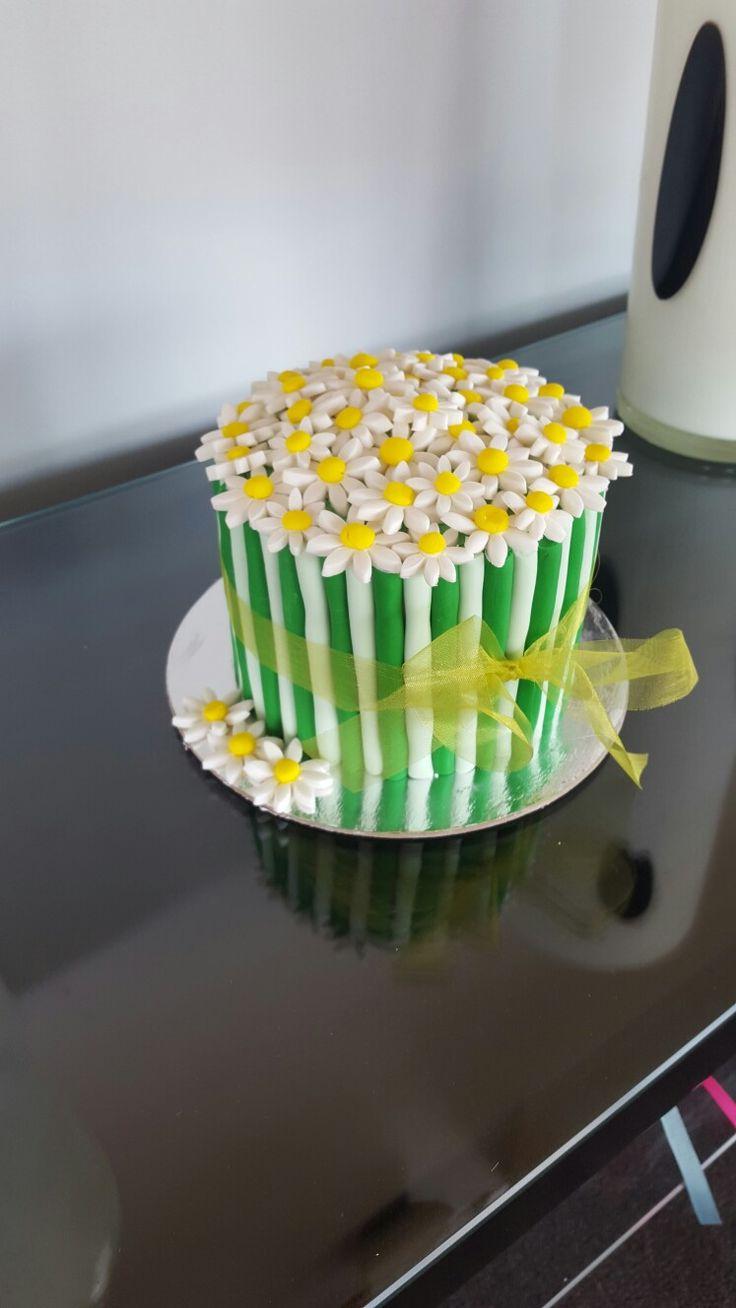 Daisy  Cake #2