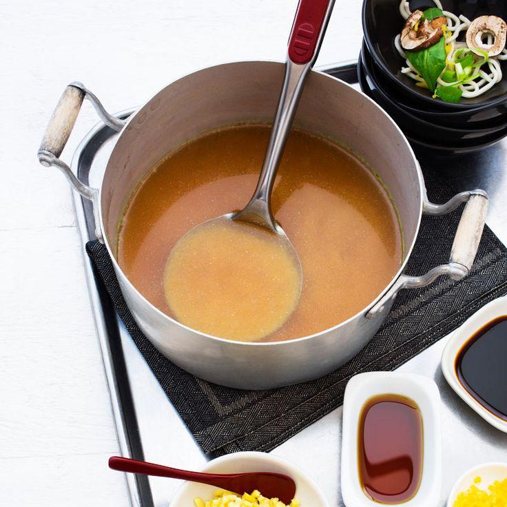 Hemkokt buljong är en skatt att hitta i kyl och frys. Prova den här enkla varianten!