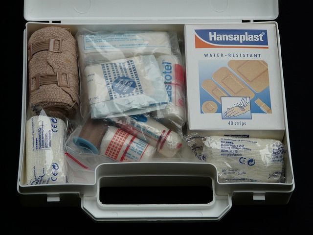 Packing The Perfect Emergency First Aid Kit – Must Have Ultralight Backpacking First Aid Checklist – Basic Care | Equip And Camp