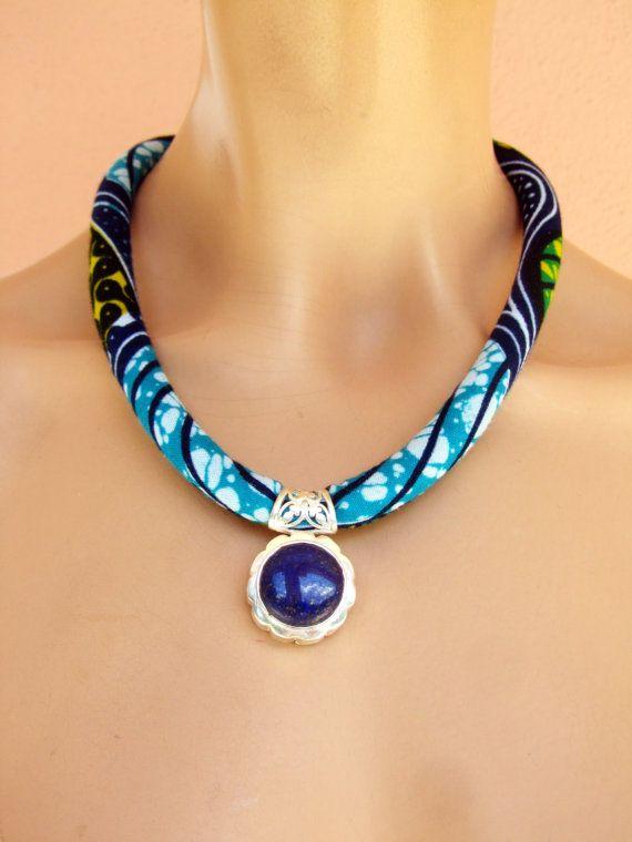 collana stoffa africana / pendente lapis lazuli / pietra di nad205