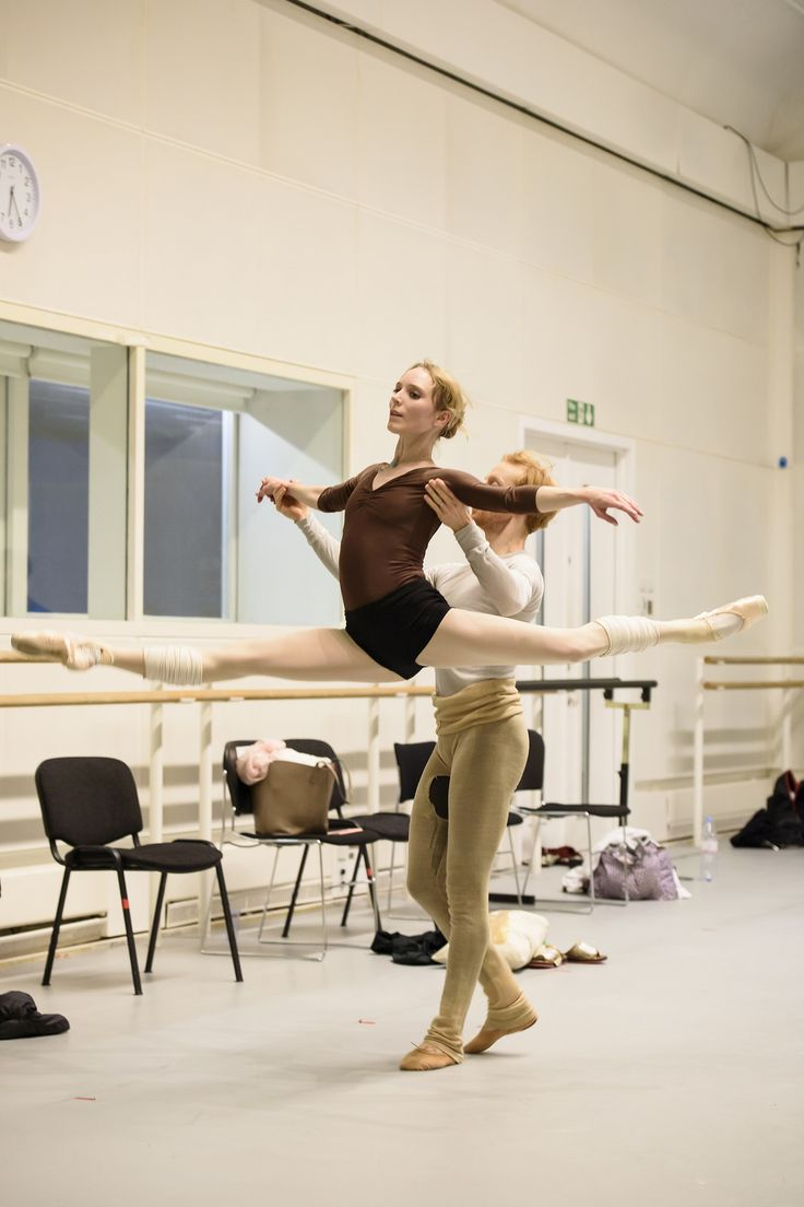 Sarah Lamb and Steven McRae in rehearsal for Christopher Wheeldon's Within the Golden Hour, The Royal Ballet Season 2015/16 www.roh.org.uk/productions/within-the-golden-hour-by-chri...