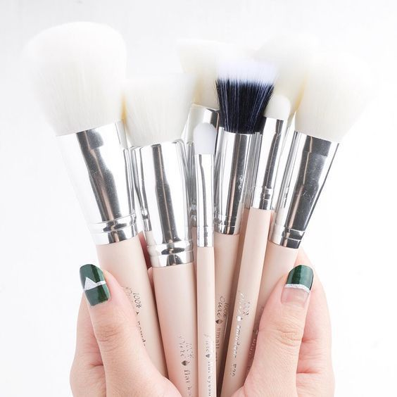 The Best Cruelty-Free Makeup Brushes 100% Pure