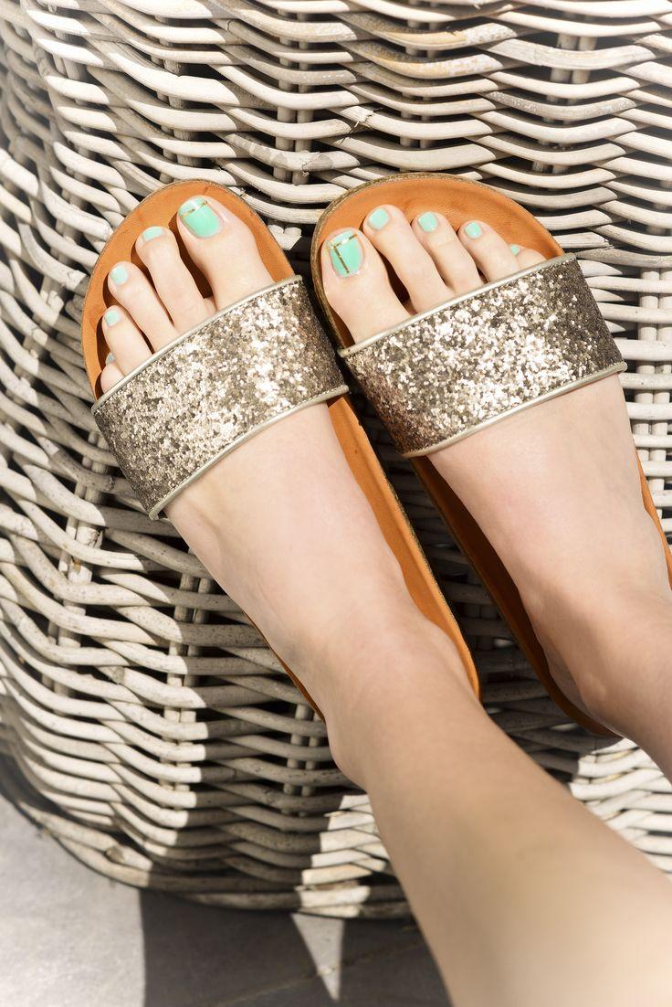 Des Tongs by Steve Madden à -50%. Choisissez votre modèle préféré et allez. Comfortable  ShoesTongsSteve ...