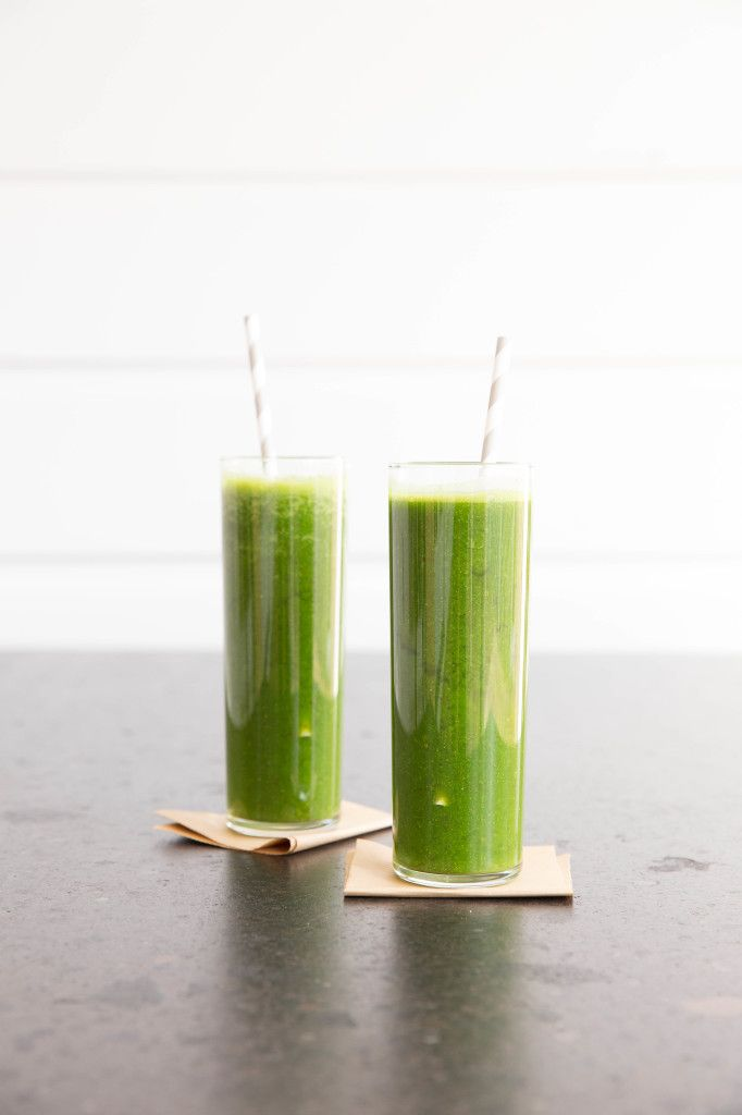 Spinach, Apple, Broccoli Sprouts Green Smoothie  Drink one of these simple, yummy smoothies everyday to reset and regulate your body!