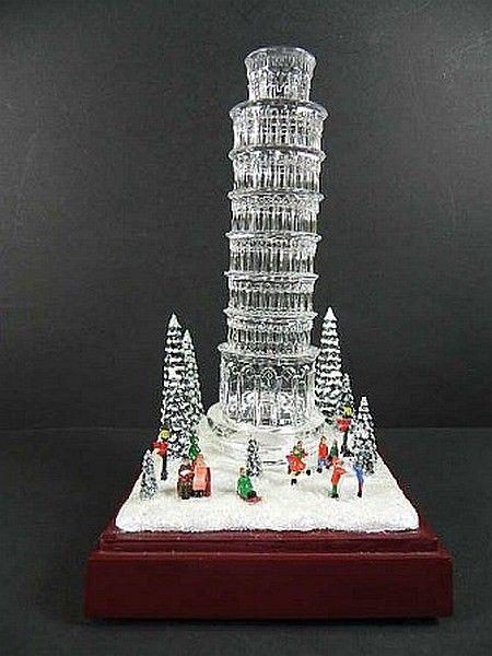 Ein Wunderschönes Pisa Souvenir Ist Der Schiefe Turm Als GLASOPTIK MODELL  DELUXE, MIT ELEKTRISCHER SPIELUHR