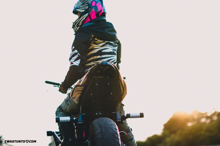 Find your way and keep going!  #rideicon #iconmotosports #kawasaki #iconshaguar #rideamongus #twowheelslife #zx6r #ewapieniakowska #ewastunts #iconmercshaguar #iconalliancegt #alliancegt #bestmotogear #rockthegear #suntbike #stuntgirl #motorcycle #iconhelmet