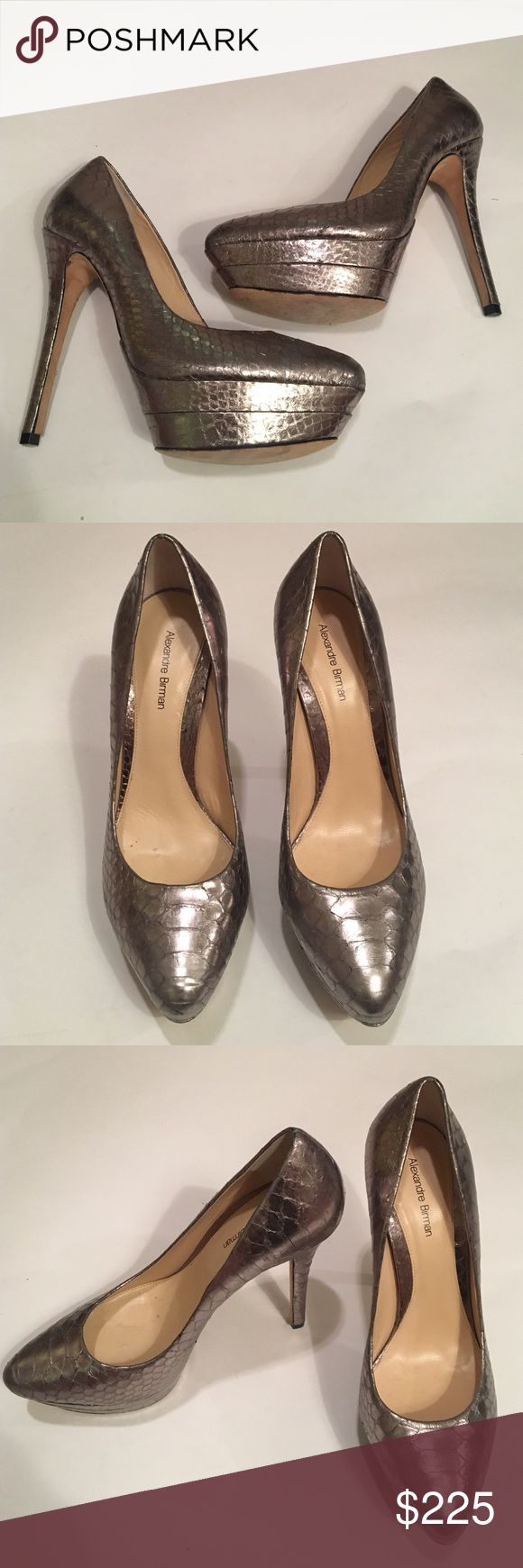 Alexandre Birman Metallic Pumps size 8 These are perfect for your New Years outfit! Size 8, worn once. In amazing condition and are sure to impress 👍 Alexandre Birman  Shoes Heels