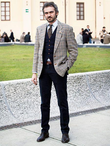 ダークトーンの脇役により、チェックジャケットの存在感が引き立ちます。 | メンズファッションの決定版 | MEN'S CLUB(メンズクラブ)