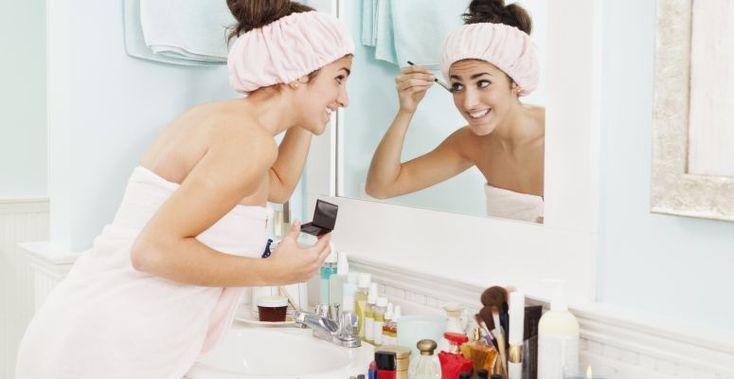 Szépség-bakancslista: 23 dolog, amit tökéletesítened kell a fürdőszobai rutinodban