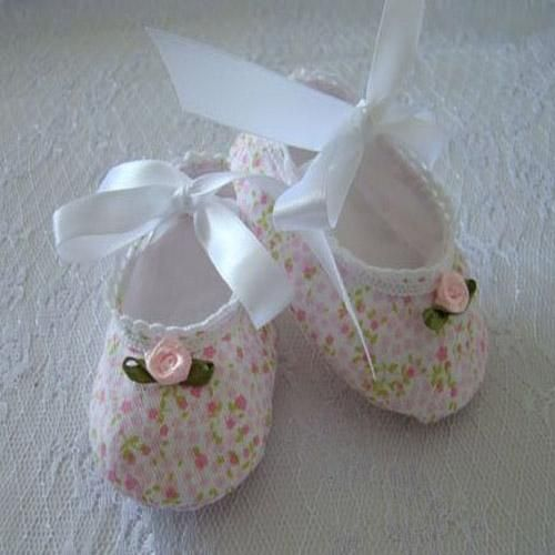 Floral Pleasure Shoes/Sockette (Vintage design) - Hand Made Baby Girl Shoes