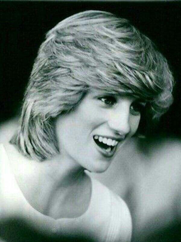 Princess Diana, so young and beautiful!
