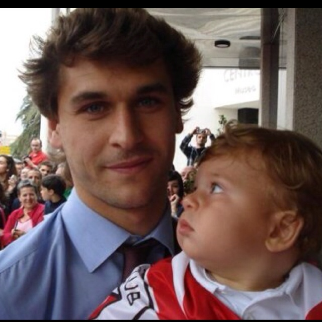 Fernando Llorente and a baby