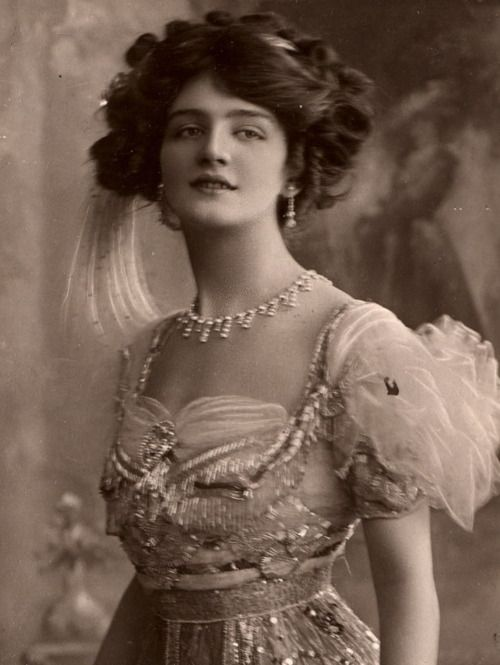"""Lily Elsie in """"The Merry Widow"""". She was one of the most photographed women of the Edwardian era."""