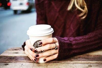 """Интересное о #кофе  Наибольшим уровнем потребления кофе на душу населения обладает Скандинавия - почти 14 кг кофе в год. Средний итальянец потребляет """"всего"""" 5 кг. Специальные исследования показали что стимулирующее влияние на человекаоказывают только первые 2-4 чашки кофе. Последующие порции просто быстро выводятся из организма.  Около 8000 зёрен сорта #Арабика  требуется чтобы приготовить килограмм кофе. Все эти зерна собираются вручную. Кофеин улучшает настроение. Это происходит из-за…"""