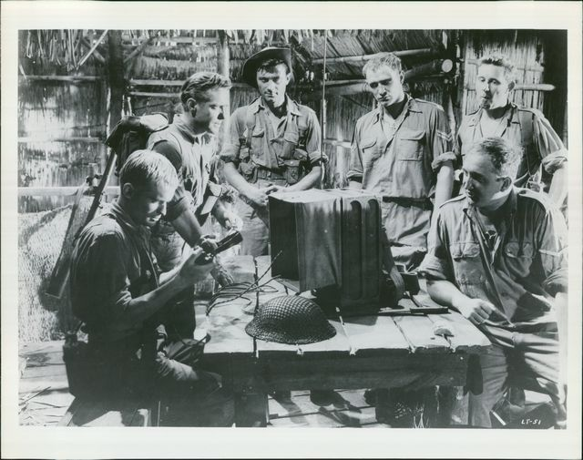 S  Jungle Fighters Richard Harris Richard Todd Laurence Harvey David MacCal