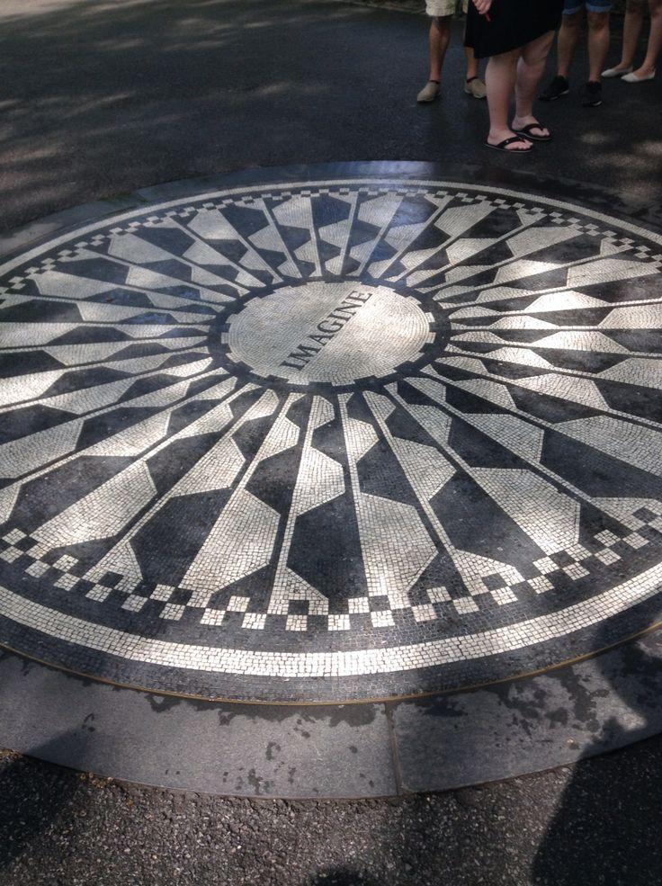 #NYC Strawberry Field John Lennon memorial, #IMAGINE ©ArianeRobichaud
