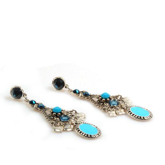 Lange oorbellen blauw turquoise met hanger en Swarovski - boho chic stijl oorbellen - handgemaakte sieraden - bohemian gypsy stijl - Catena