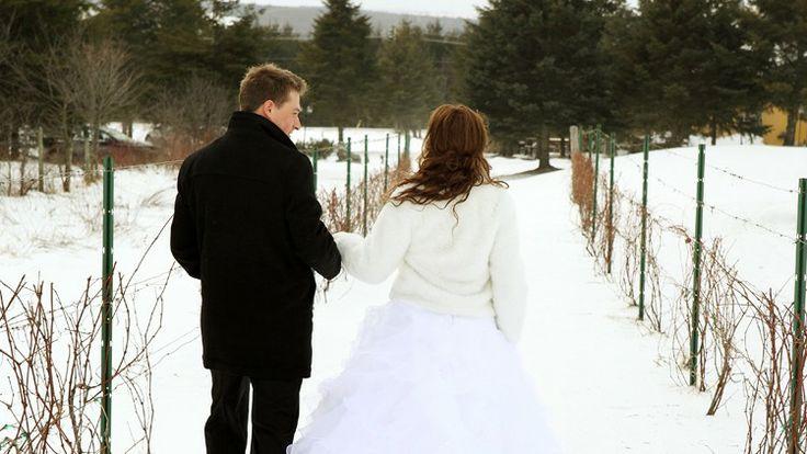 Mariage d'hiver dans le vignoble de la Cache à Maxime.