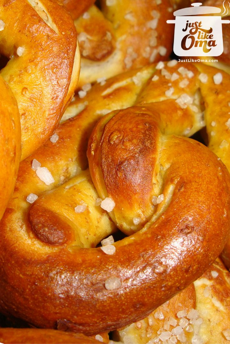 German Pretzels  --  crispy on the outside, soft on the inside. Dunk these, still warm from the oven, into hot German mustard. A real Oktoberfest treat! http://www.quick-german-recipes.com/german-pretzel-recipe.html  ❤️it!