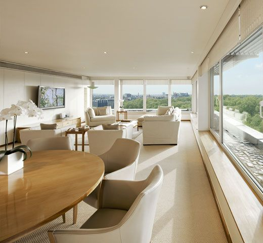 The COMO Suite at Metropolitan London, offering endless views of Hyde Park.