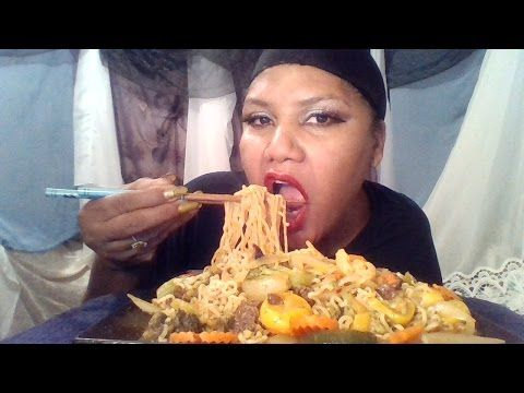 Eating Chinese  with ASMR sounds/Muk-bang 💋