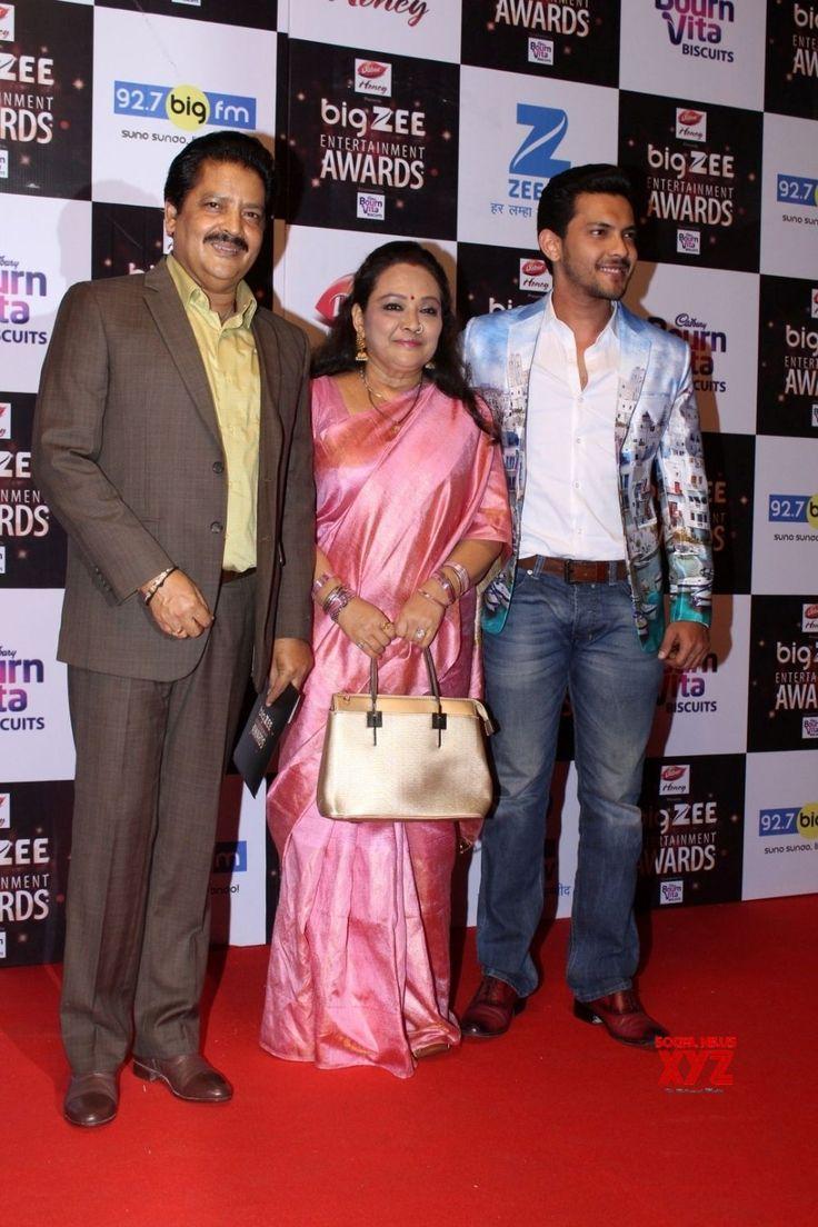 Mumbai: Big Zee Entertainment Awards 2017  Udit Narayan - Social News XYZ