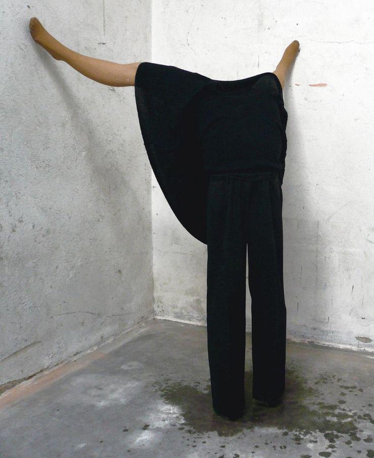 Haut-nah / Engel - 2007 - Julia Bornefeld - http://www.juliabornefeld.com/work/Haut-nah-2005-2007-N48.html