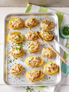 Kartoffeln Lorraine, ein sehr leckeres Rezept aus der Kategorie Kartoffeln. Bewertungen: 62. Durchschnitt: Ø 4,5.
